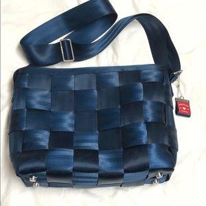 Harvey's seatbelt bag. Large messenger.